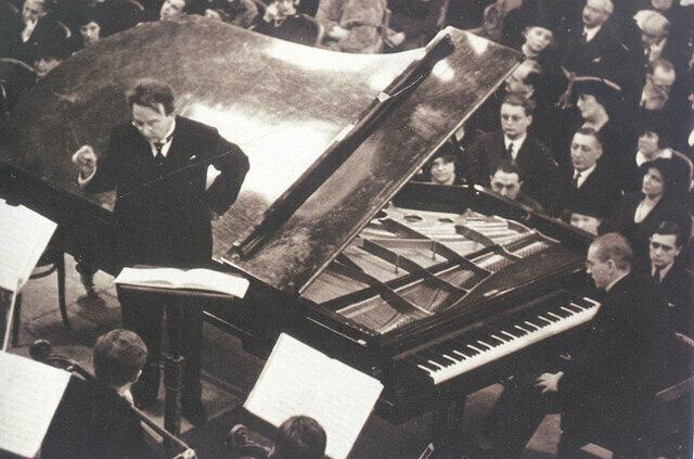 Wittgenstein-Premiering-the-Schmidt-Concerto-for-the-left-hand-Feb-1935
